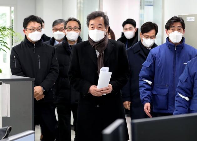 """""""대기업·금융사 펀드 조성""""…與의 '코로나 이익공유제' 밑그림"""