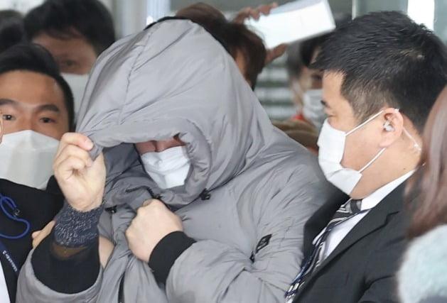 첫 재판 마친 '정인이' 양부 [사진=연합뉴스]