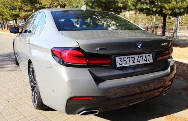 BMW 540i 후면 모습. 사진=오세성 한경닷컴 기자