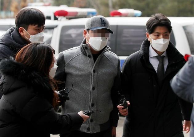 김포 아파트 경비원들 폭행한 30대 중국인 남성 [사진=연합뉴스]