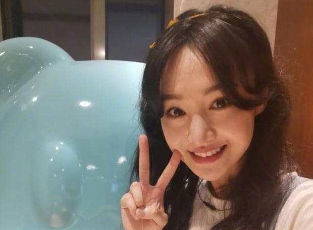 중국 유명 여배우 정솽(鄭爽)이 대리모가 임신 중인 아이들을 '반품' 하겠다고 나서면서 최근 스캔들에 휩싸였다. 사진=웨이보 캡처