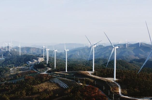 한화건설이 영양에 지은 풍력 발전 설비. / 자료=한화건설