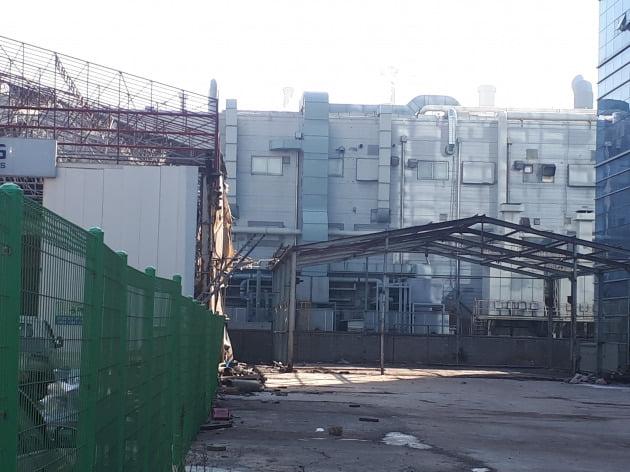 수도권 산업단지내 공장이 나간 빈터.  /안대규 기자