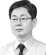 [데스크 칼럼] 홍남기, 옳은 얘기 했다