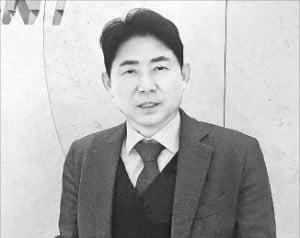 """엄태관 오스템임플란트 대표 """"투명 치아교정 제품 연내 中진출"""""""