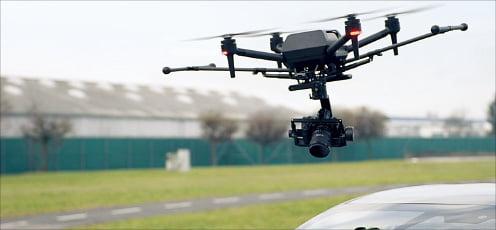 베일 벗은 소니 드론 '에어피크'…카메라 장착 가능한 초소형 제품