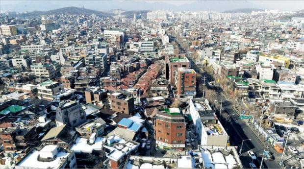 노후·저층 주택이 밀집한 서울 장위동 장위뉴타운 일대.  한경DB