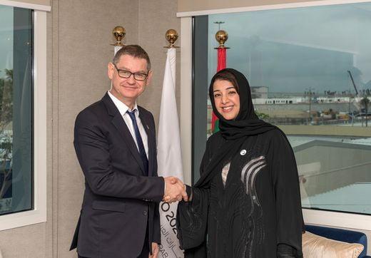 시릴 비네론 까르띠에 인터내셔널 CEO와 림 알 하시미 아랍에미리트 연합국 국제협력부 장관 겸 2020 두바이 엑스포 사무국장.