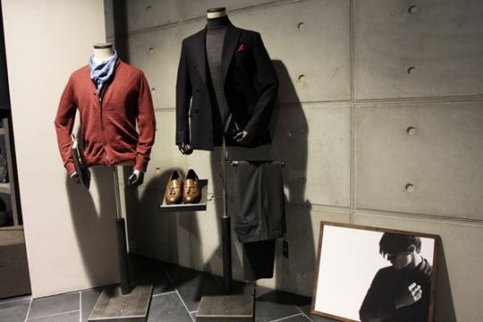 2층은 1층보다 여유로운 쇼핑이 가능하다. 론도르프, 일레븐티, 카모 등 감각적인 패션 리더들에게 반가운 브랜드들이 구비돼 있다.