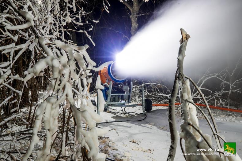 [에따블라디] 겨울의 나라에 인공눈이 웬 말…대형 제설기 등장해