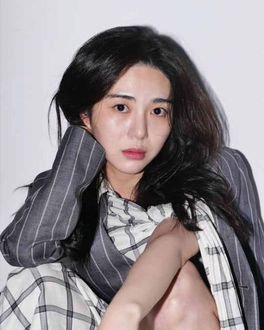 """""""비참하다"""" AOA 출신 권민아, 정신과 진단서 공개"""