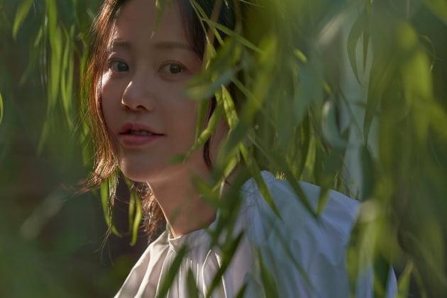배우 고현정 화보 비하인드컷./ 사진제공=아이오케이 컴퍼니