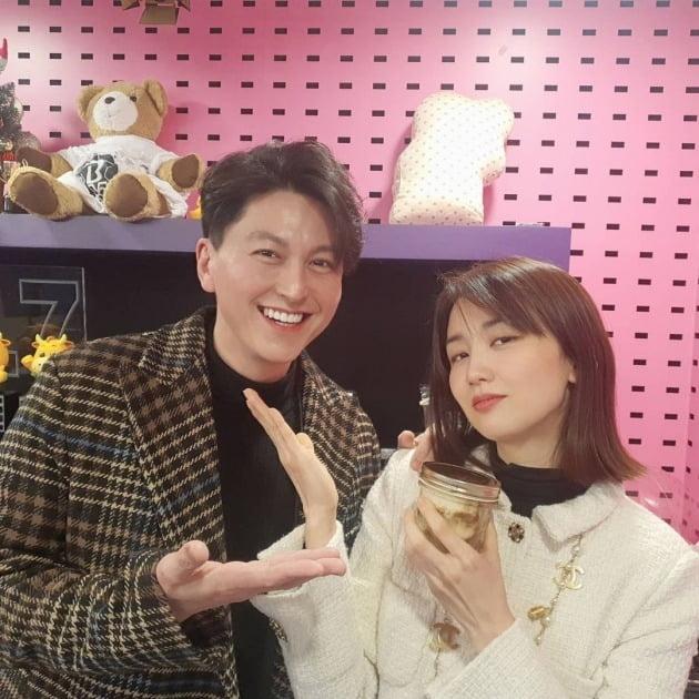 류수영-박하선 부부 / 사진=SBS라디오 '씨네타운' 인스타그램