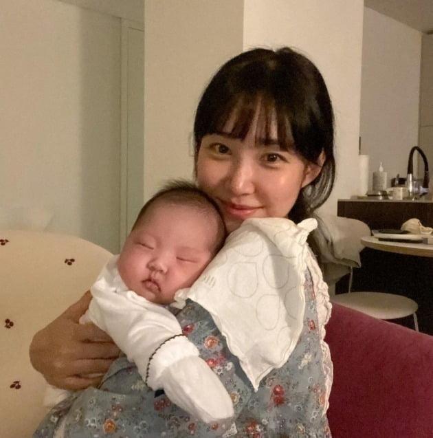 최근 출산한 방송인 최희. / 사진=최희 인스타그램