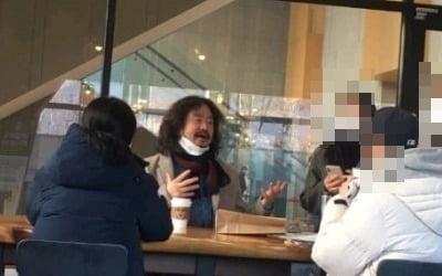 """김어준 """"'턱스크'·'5인이상금지'<br> 위반? 사진과 실제 달라"""""""