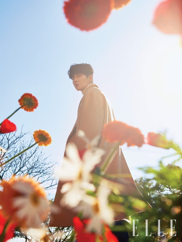 김선호, 싱그럽고 향기로운 모먼트 [화보]