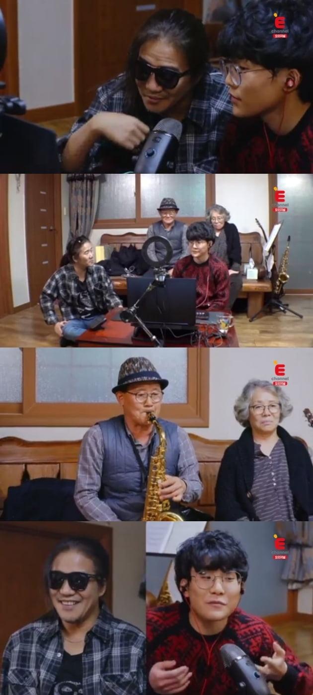 '라떼부모' 박완규 박이삭 부자 /사진=티캐스트