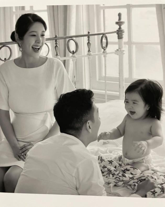 """'전용진♥' 김빈우, 가족사진 꺼내보다 """"매 순간 감격…둘째는 뱃속에"""""""