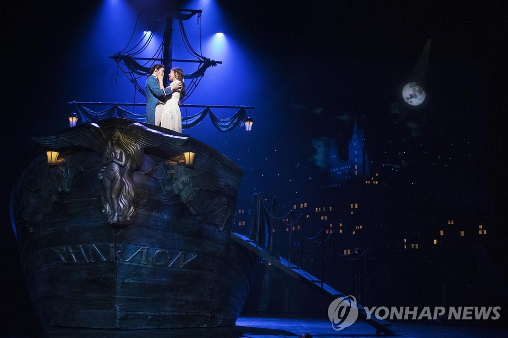 """""""또 2주 뒤로""""…뮤지컬계, 수도권 2.5단계 유지에 공연중단 연장"""