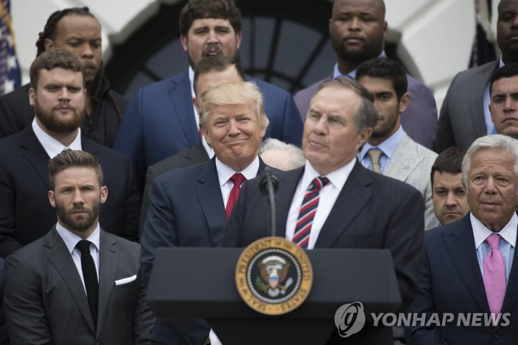 '트럼프한테 안받겠다' NFL 감독, 자유의 메달 거부