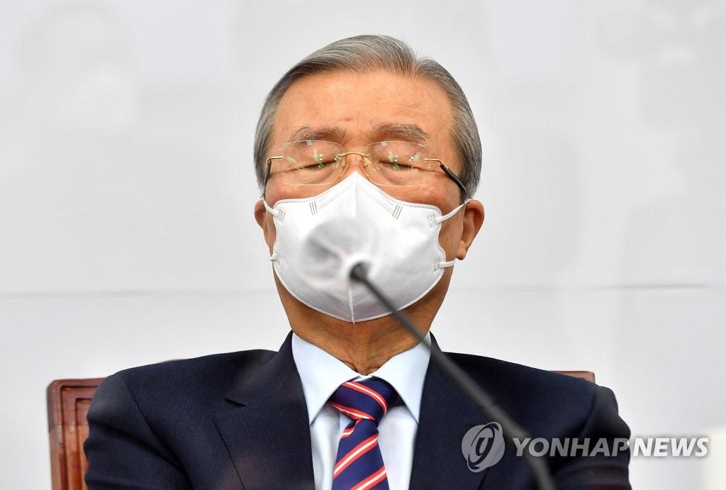 """'安 경선개방' 요구에 인상 찌푸린 김종인…""""몰상식한 얘기"""""""