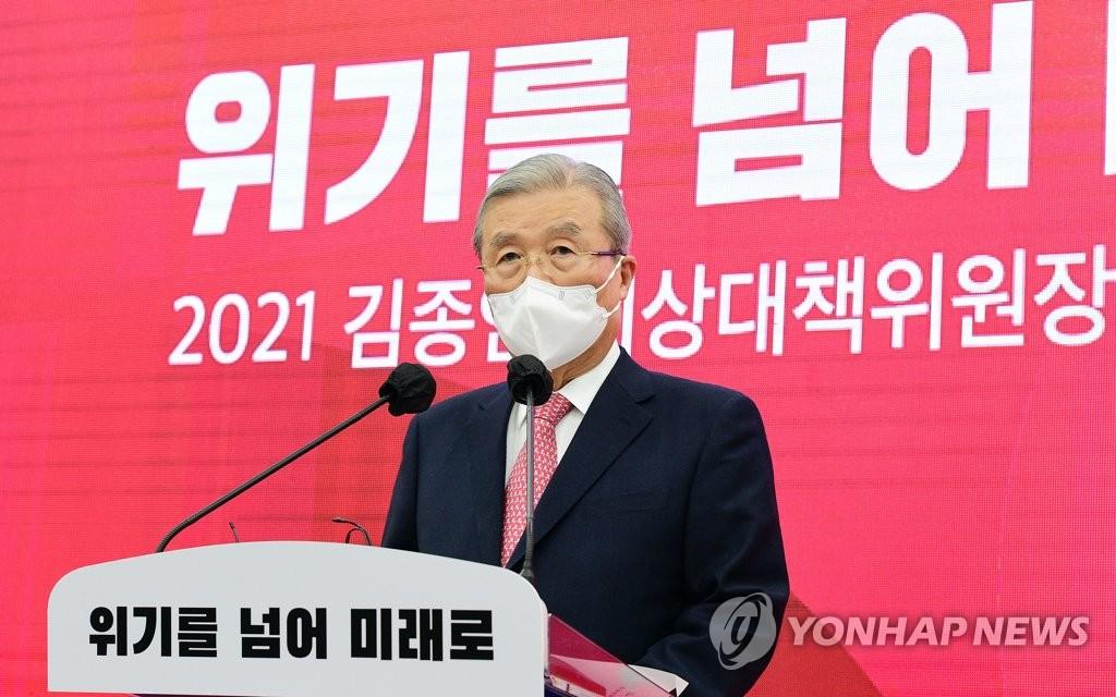 """김종인 """"서울·부산 승리 확신…尹 지지율, 관심없다""""(종합)"""