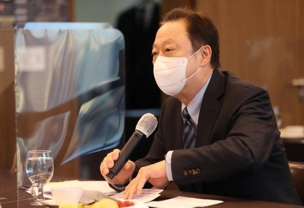 박용만 대한상공회의소 회장이 이재용 삼성전자 부회장의 선처를 법원에 호소했다. /사진=연합뉴스