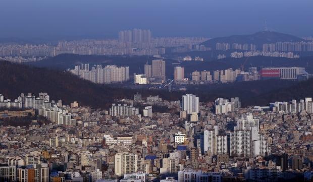 서울 외곽과 고양시 아파트 모습.  /연합뉴스