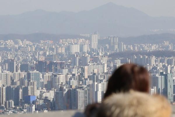 남산에서 바라본 서울 시내 아파트의 모습. 연합뉴스