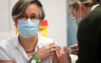 화이자 백신 맞아도 되나…접종 후 23명 사망