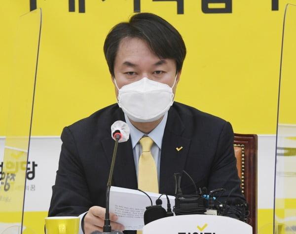 김종철 정의당 대표가 지난 11일 서울 여의도 국회에서 열린 대표단회의에서 발언하고 있다. /사진=뉴스1