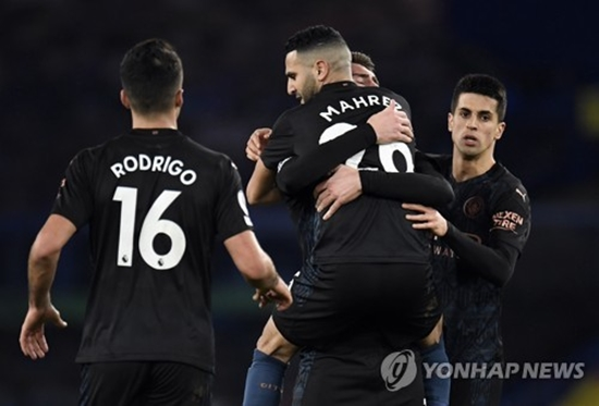 '마레즈 결승골' 맨시티, 에버튼에 3-1 완승...공식전 17연승