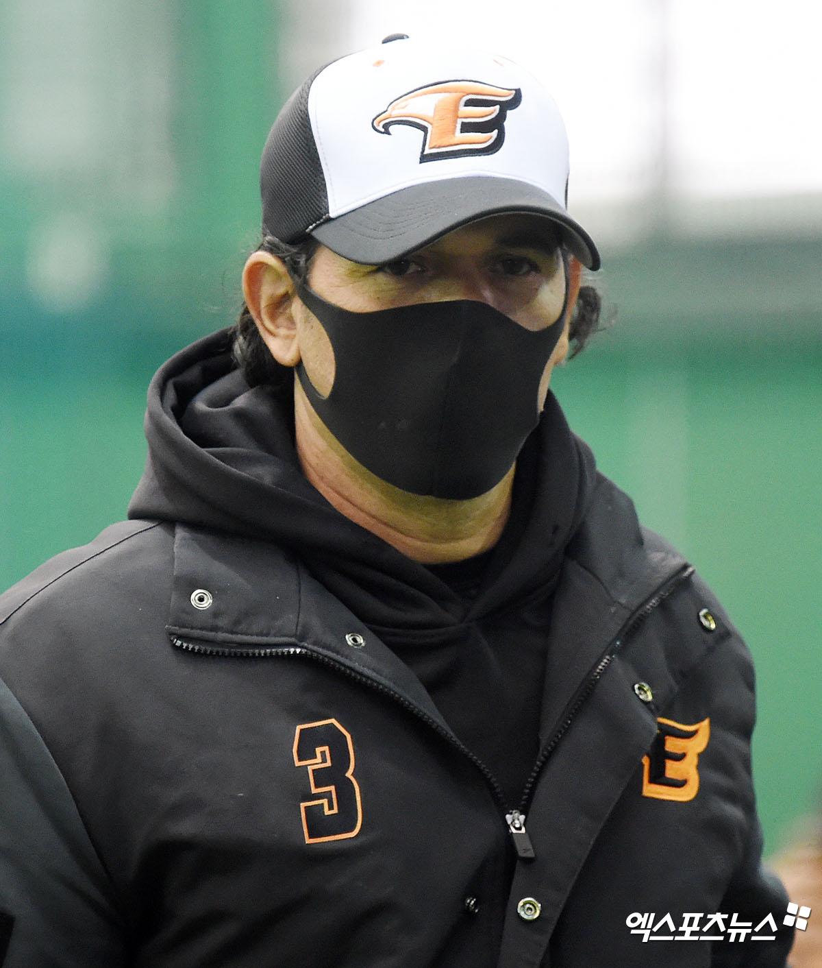수베로 감독 '카리스마 가득'[포토]