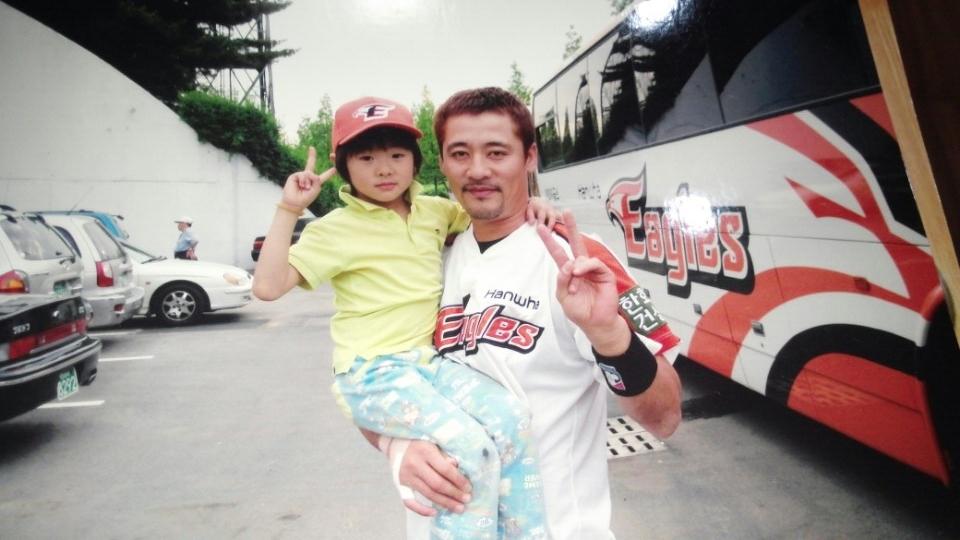 제자가 된 사진 속 아이, 김민재 코치와 고명준의 특별한 인연 [제주:캠프노트]