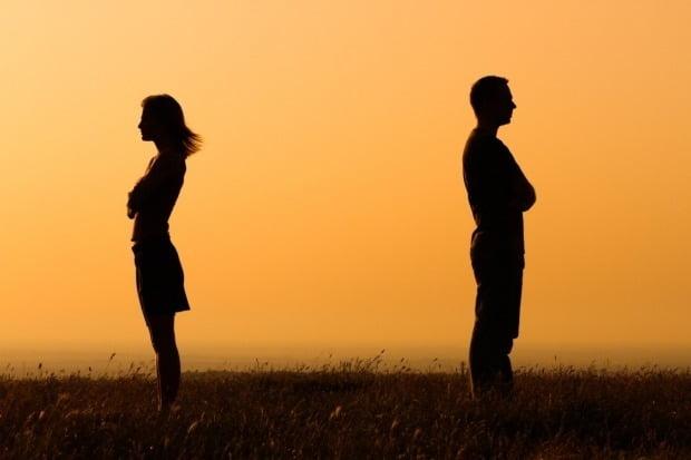 남편 탓에 이란서 800일 넘도록 징역살이를 한 여성이 자신의 지도교수와 불륜에 빠진 남편에게 이혼소송을 제기했다. 사진은 기사와 무관함. /사진=게티이미지뱅크
