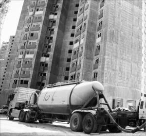 건설 호황 온다는데…저평가된 시멘트株는
