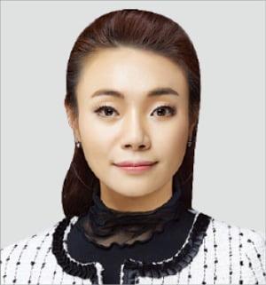 '배리어프리' 콘서트 여는 시각장애 피아니스트 김예지 의원