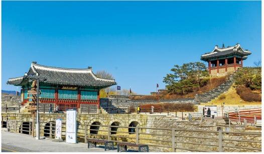 수원화성 화홍문과 방화수류정