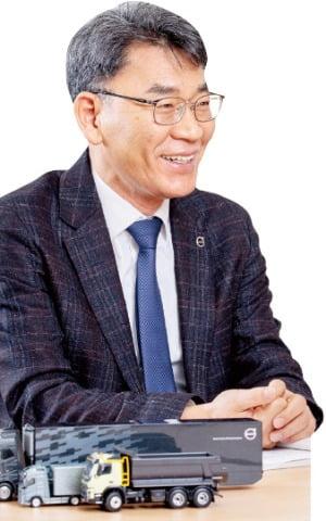 """볼보트럭코리아 """"부품 항공 배송 확대…올 판매 20% 늘려 2000대 목표"""""""