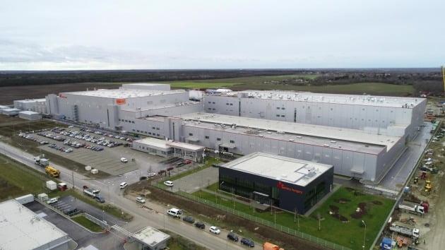 SK이노베이션이 헝가리 코마롬에서 가동 중인 전기차 배터리 공장 전경.  /SK이노베이션 제공