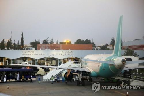 """사우디 공항 공격당해 민항기 화재…후티 """"드론 공격""""(종합)"""