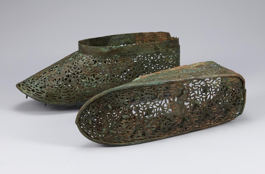 5세기 백제 금동신발 2건 보물된다…삼국시대 신발유물로는 처음