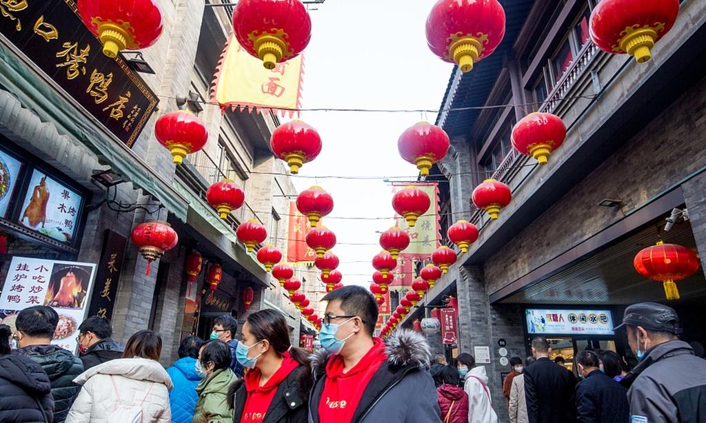 중국 춘제 연휴 '호캉스'에 관광지 북새통