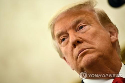 탄핵심판 끝나기 무섭게…민주당 중진의원이 트럼프에 소송