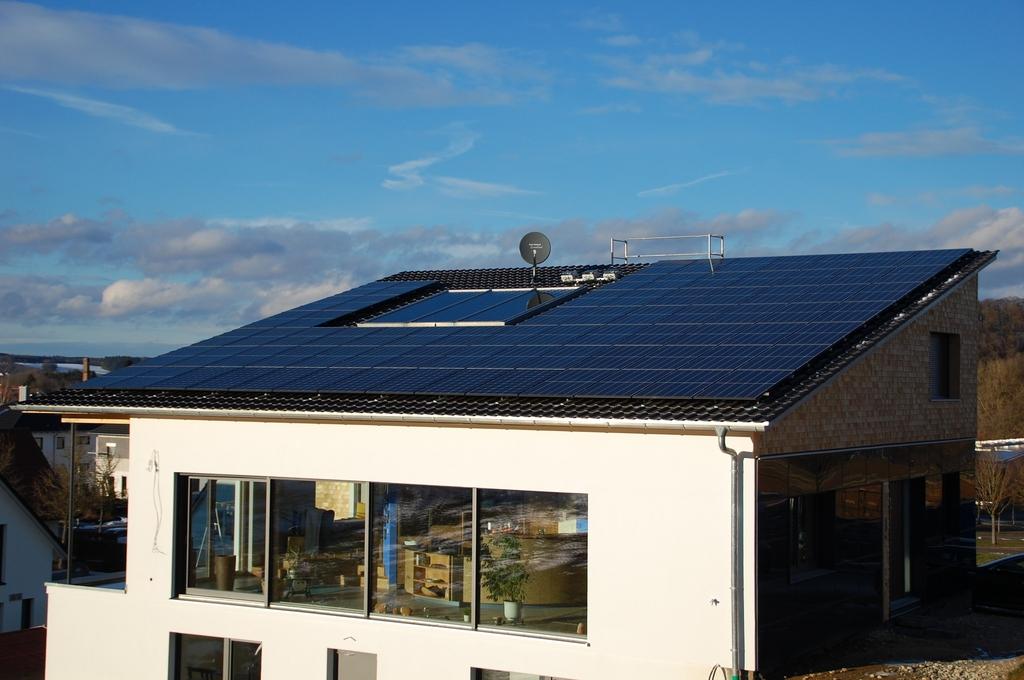 한화큐셀, 독일 가정용 전력소매사업 1년만에 10만 가구에 공급