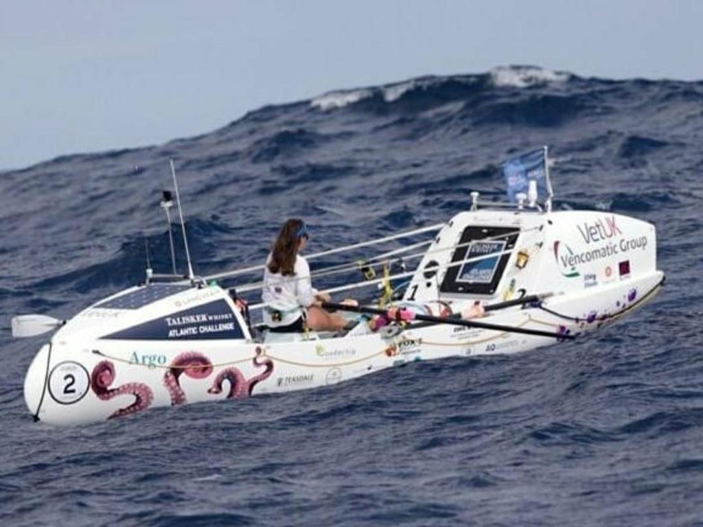 매일 2시간 노 저어 70일만에 대서양 건넌 21살 여성 '뱃사공'
