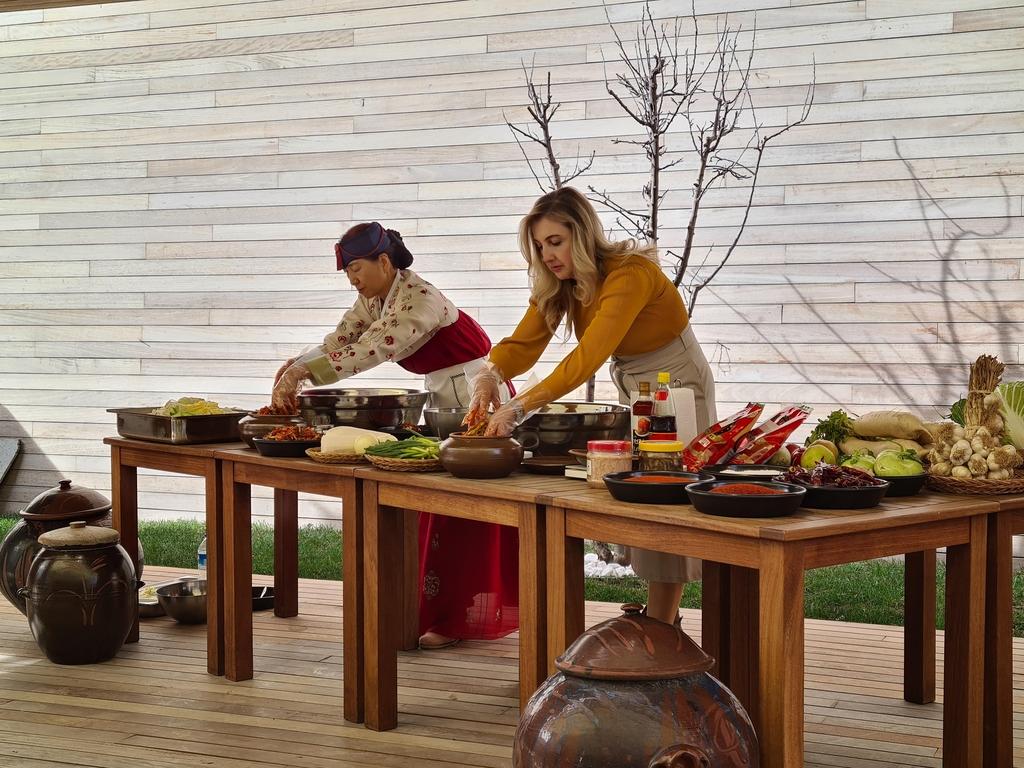 터키한국문화원, 터키 방송사와 '김치 알리기' 프로그램 촬영