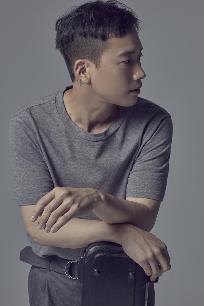 정재일, 10년 만에 정규 앨범…3집 '시편' 오늘 발매