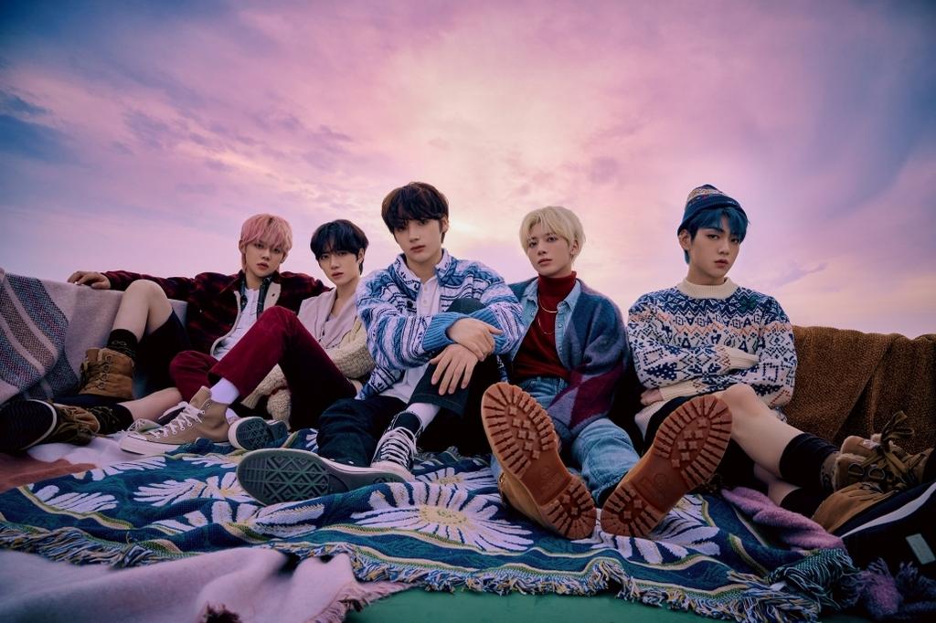 BTS 정규 4집, 빌보드 앨범 1년째 수성…52주 연속 '차트 인'