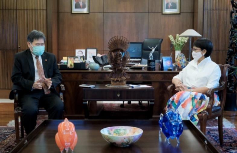 """인도네시아 외교장관 미얀마 방문계획 논란…""""군부와 협상 말라"""""""